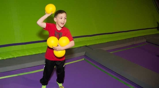 JumpGiants_Activities_Dodgeball_DodgeballKid_Image