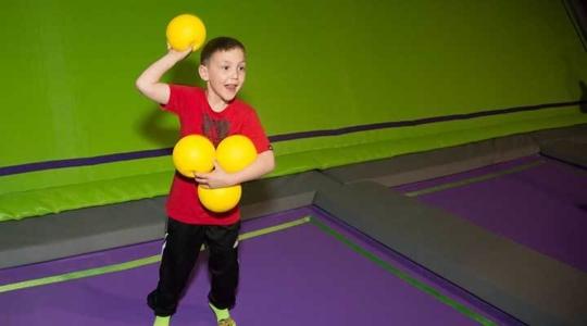 JumpGiants_Activities_Dodgeball_DodgeballKid_Image