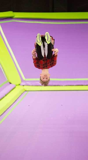 JumpGiants_GroupEvent_TrampolineFlip_Image